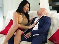 Sexy FTM superstar Buck Angel has fun with brunette TS stunn...